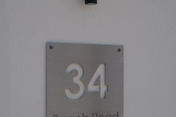 house8C3CC9DC5-E23E-ED14-41E0-36E1E9A03BA4.jpg
